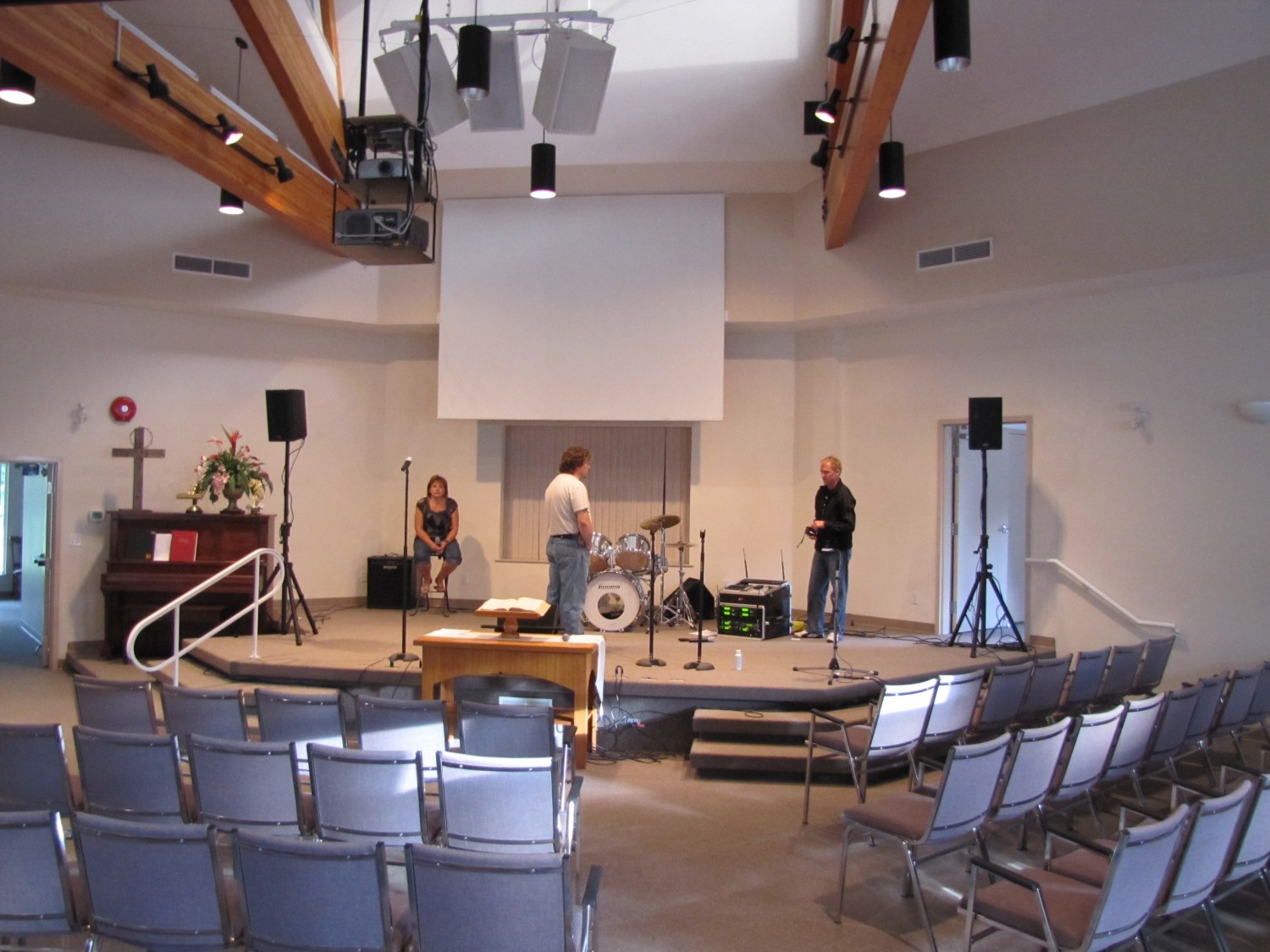 Tim Lehmann helping set up sound in Armstrong BC (Dianne not helping)