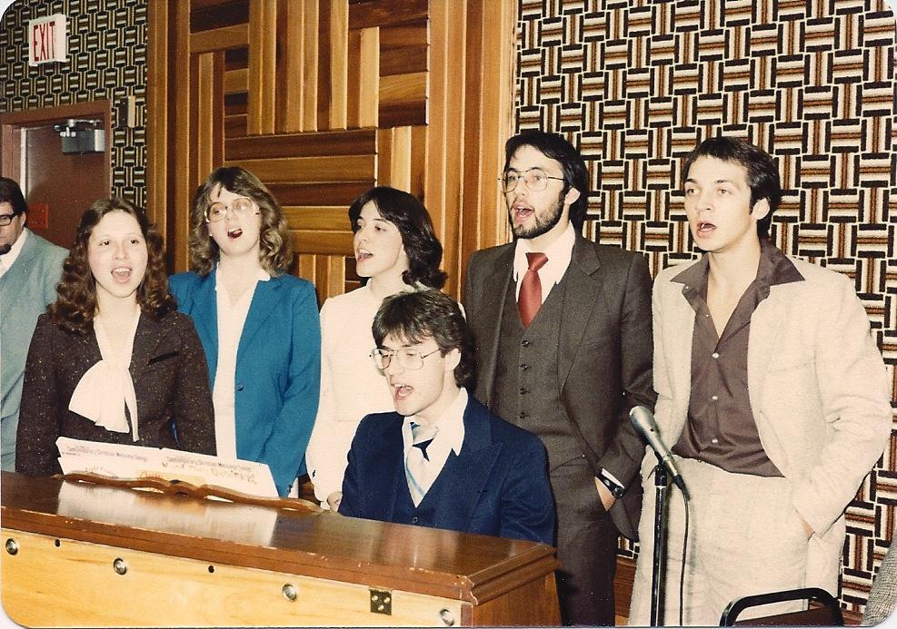 Early singing group, Val Dyck, Randy & Roxanne BItner, Dale & Dianne, Ken Bitner